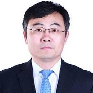 香港创业创新研究院院长 《海尔转型:人人都是CEO》作者 曹仰锋