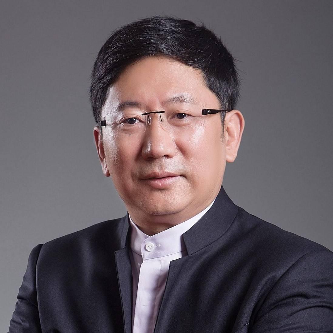 中关村龙门投资董事长 原清华控股有限公司董事长 徐井宏