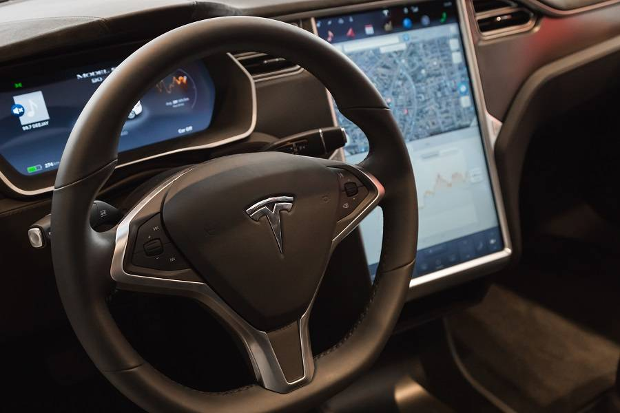 特斯拉 Autopilot ,更好用的车机系统