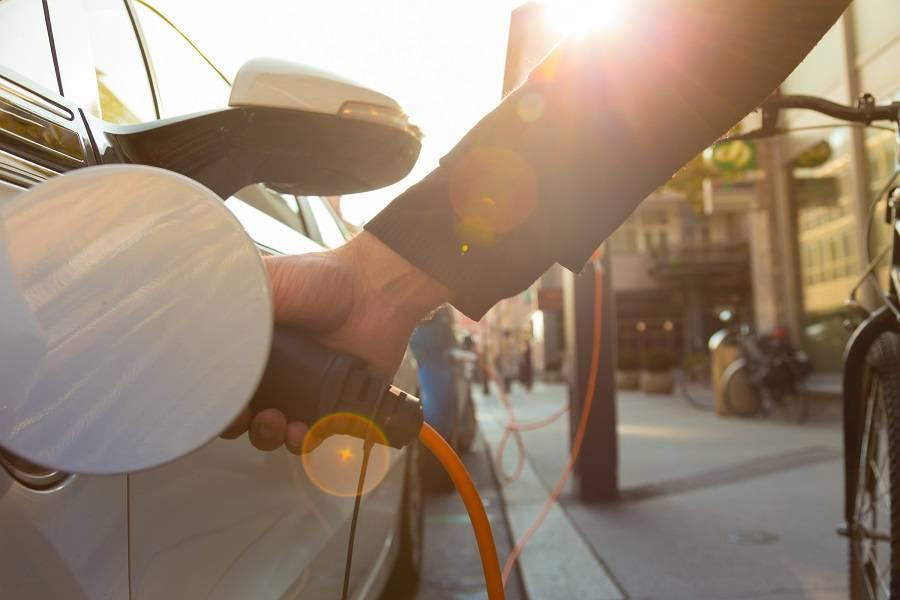 想要盈利?充电网络运营商还要跨越这两座大山丨科创新能源专题