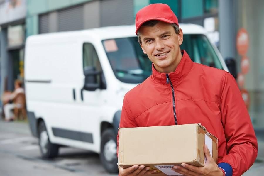 快递员福利提升:政策、企业、技术,谁才是关键?
