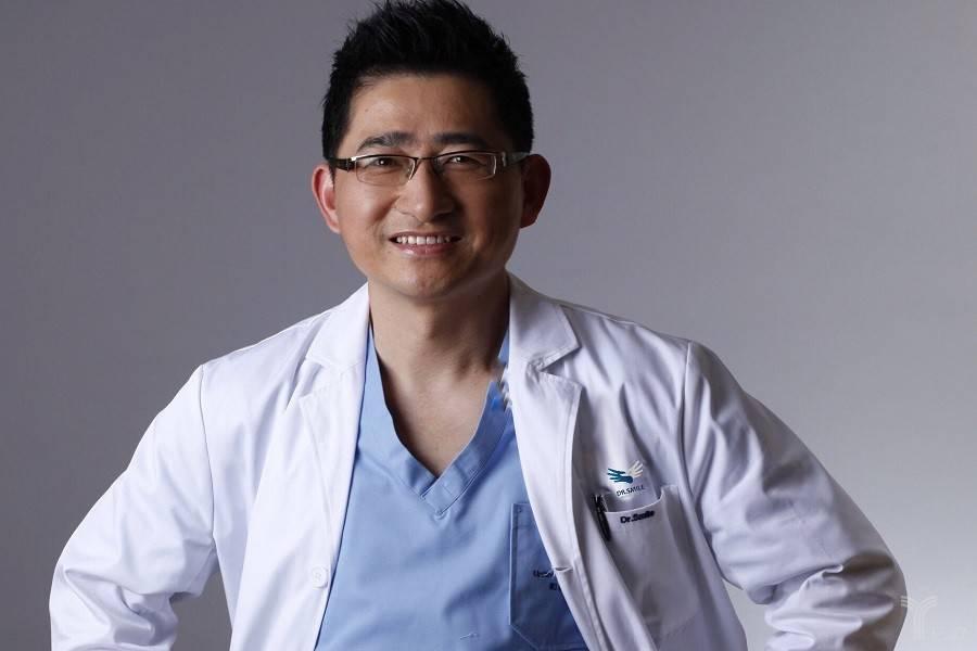 「非公医疗100+」专访丨张强医生:从医生IP到集团IP这一年是最痛苦的