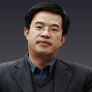 中央财经大学教授、金融法研究所所长 黄震