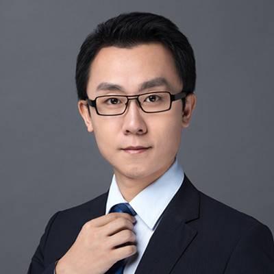 岗岭集团 副总裁 张可帅