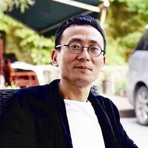 东家 董事长兼创始人 朱见山