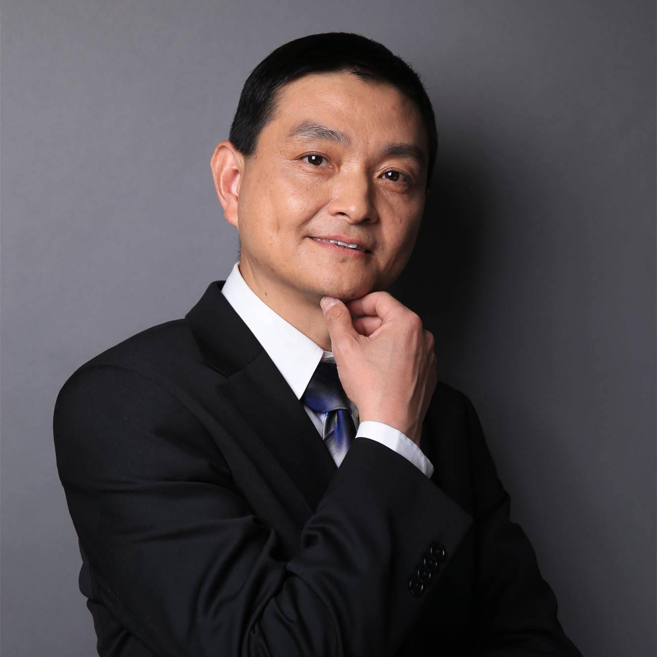 京东集团 副总裁 颜伟鹏