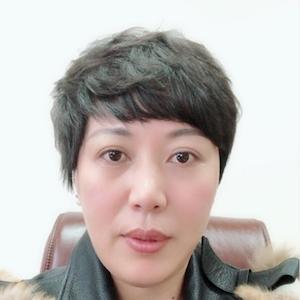 嘻哈财经 联合创始人/执行总裁 陈雅芳