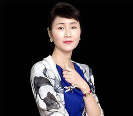 乡村基 董事长 李红