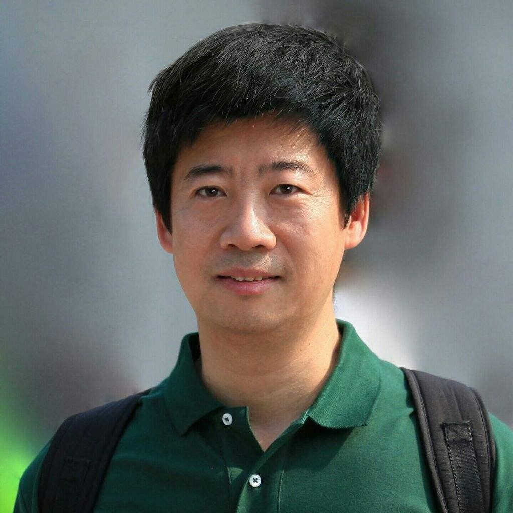 小米集团 人工智能与云平台副总裁 崔宝秋
