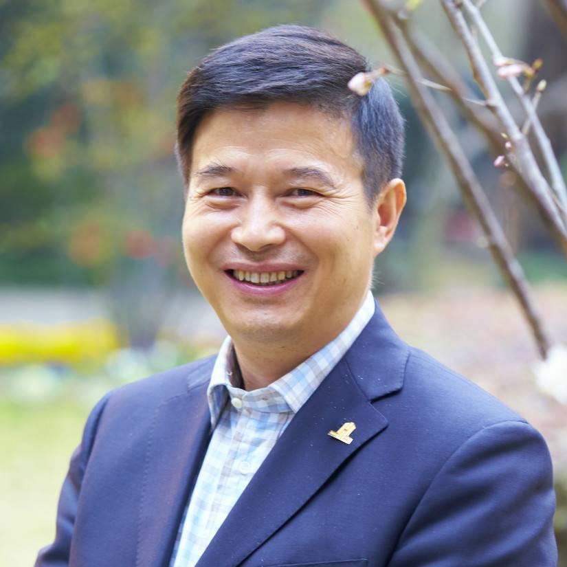 中国饭店协会 常务副会长兼秘书长 陈新华