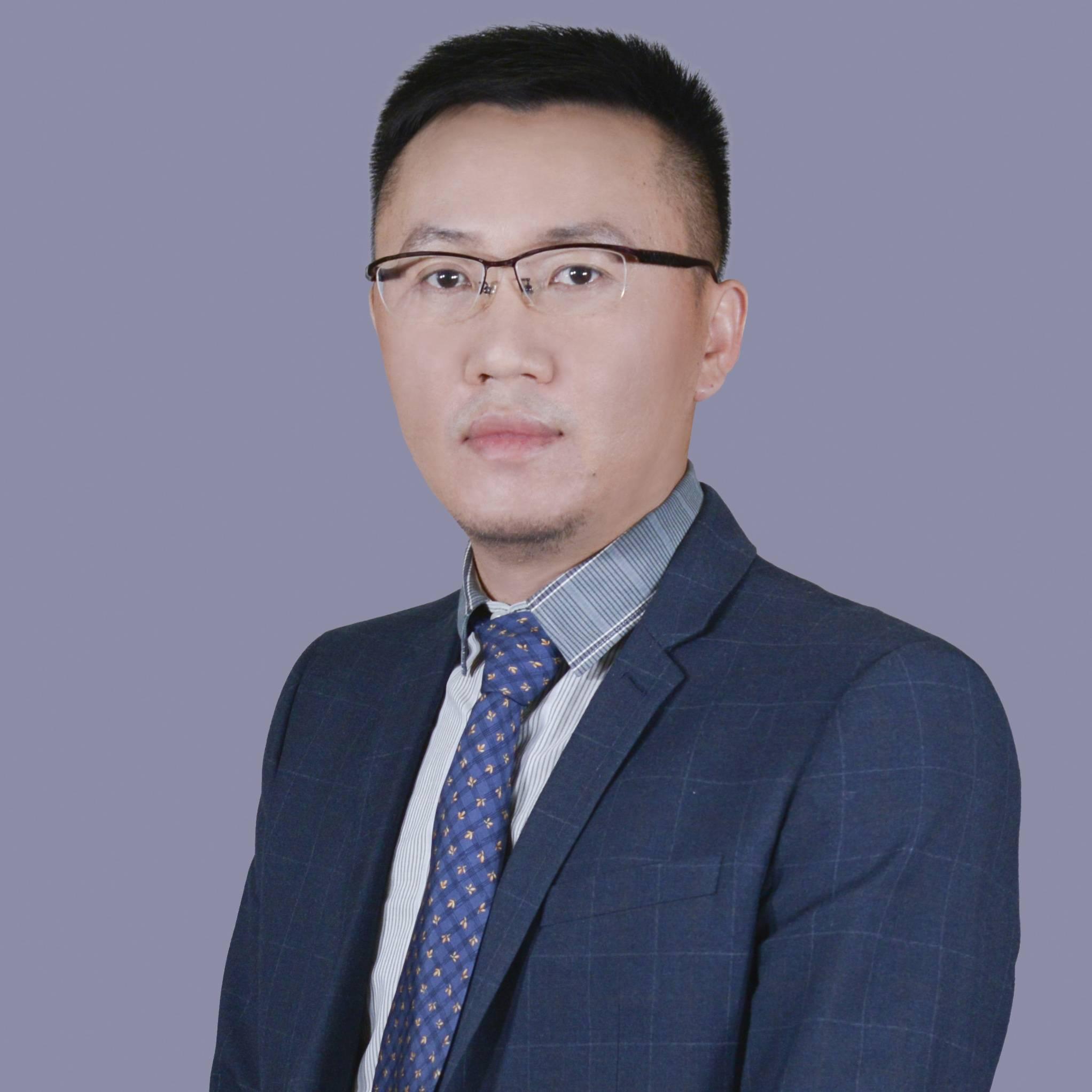 百信银行 副首席战略官 陈龙强