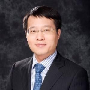 百福控股 CEO 王小龙
