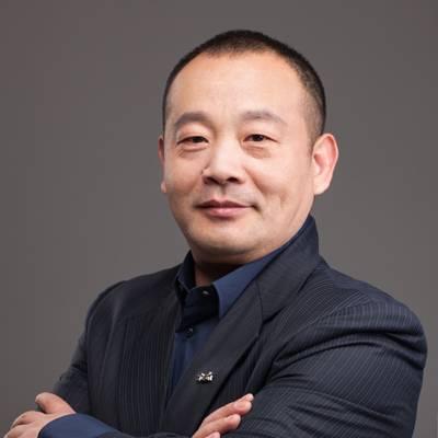 新特汽车 联合创始人、副总裁兼销售公司总经理 陈健