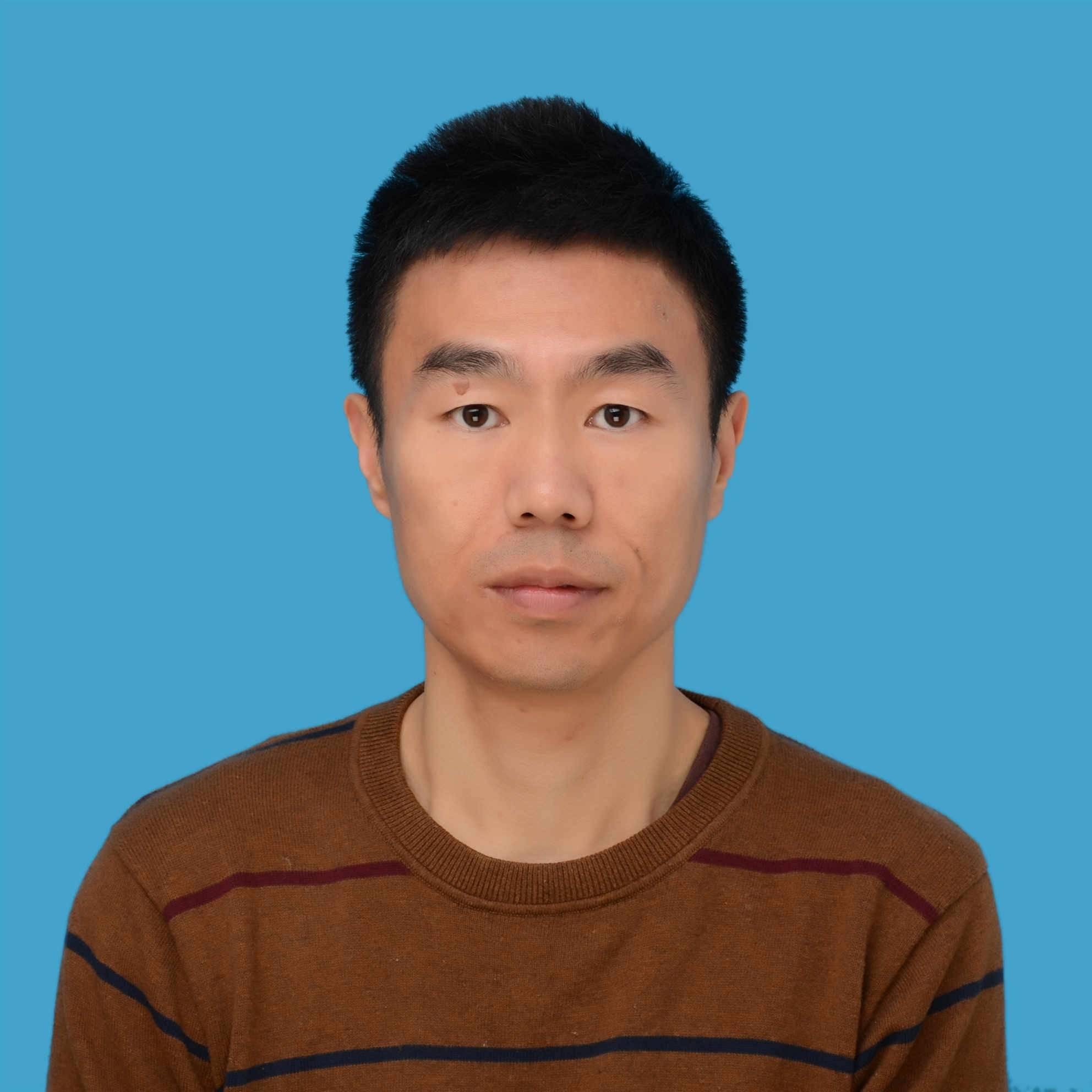 上海联通 网络发展部副总经理 刘贤松