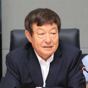 威高股份 董事長 陳學利