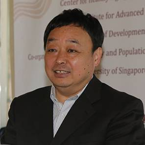 中国人口与发展研究中心 副主任 张许颖