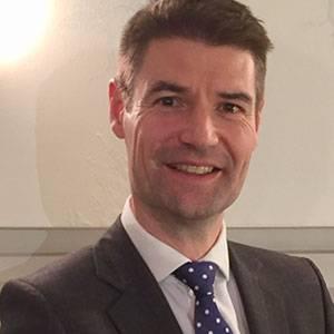 英国NHS 首席医疗科学官 Simon Eccles