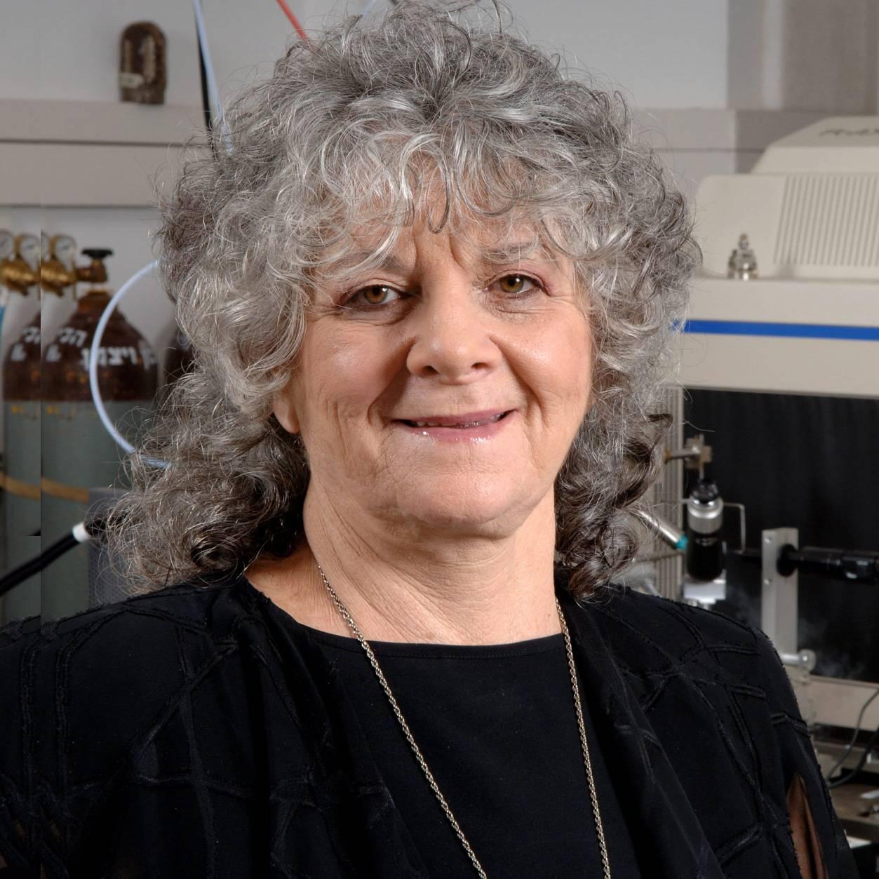 2009年诺贝尔化学奖 获得者 阿达·尤纳斯