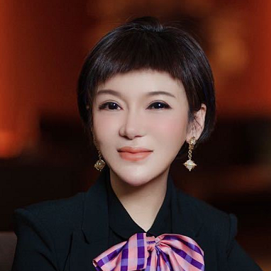 韩博士医疗集团 首席运营官、韩博士诊所集团总裁 陈泠羽
