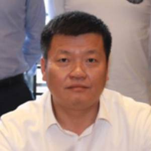 周庄集团 党委书记、董事长 朱丽荣