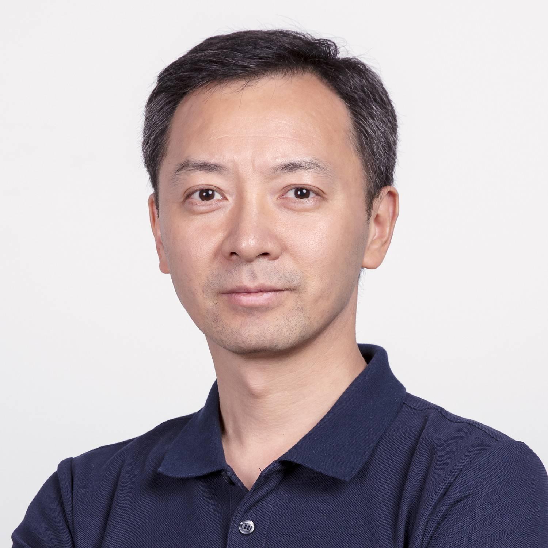 亿航智能 首席战略官 徐华翔