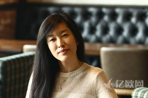 """第1车贷""""女汉子""""董事长李海燕,她不光拥有气质"""
