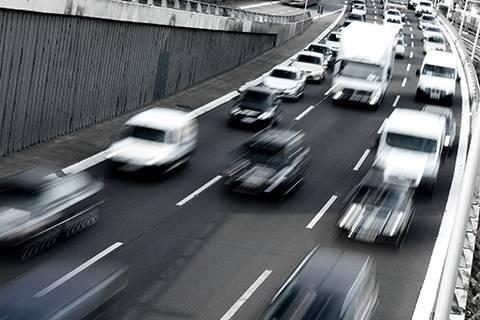 2016H1全国汽车保有量达1.84亿,同比增长17.62%