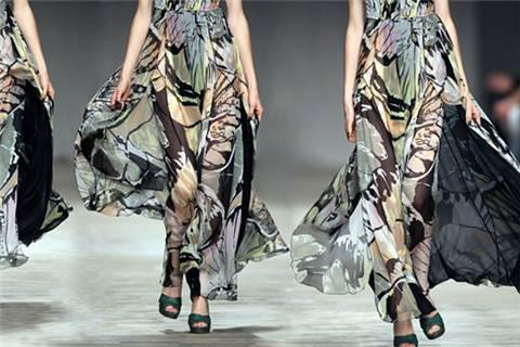 直播+时尚跨界掀起新玩法,传统时装行业变革在即