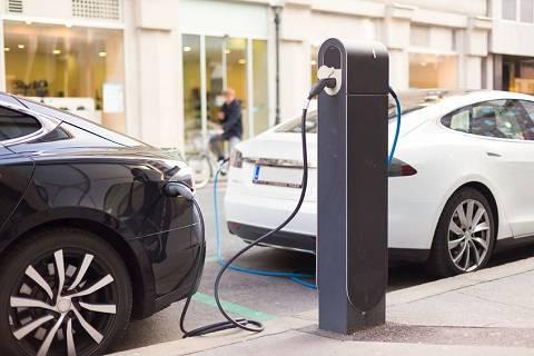 """为什么共享出行需求虽大,但共享电动汽车行业却迟迟""""不肯""""发展"""