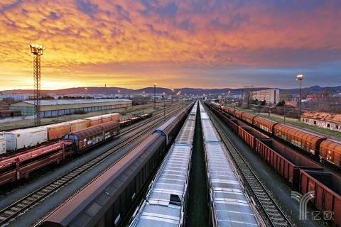 """铁路货运""""深改""""才能变优势为胜势"""