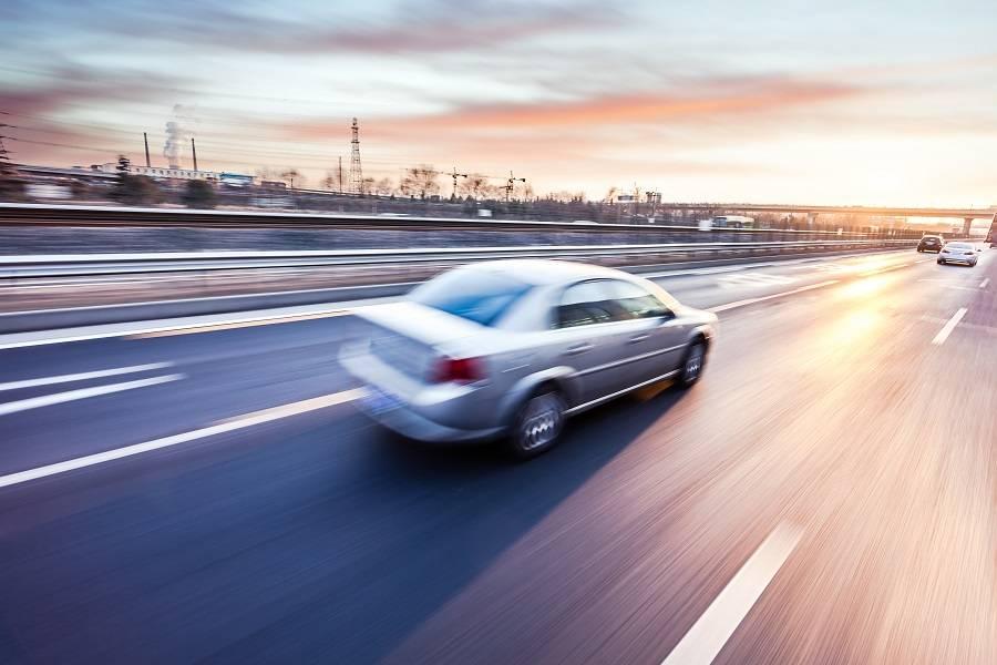 4月全国汽车产销数据:新能源汽车产销量增速明显,今年有望超百万辆