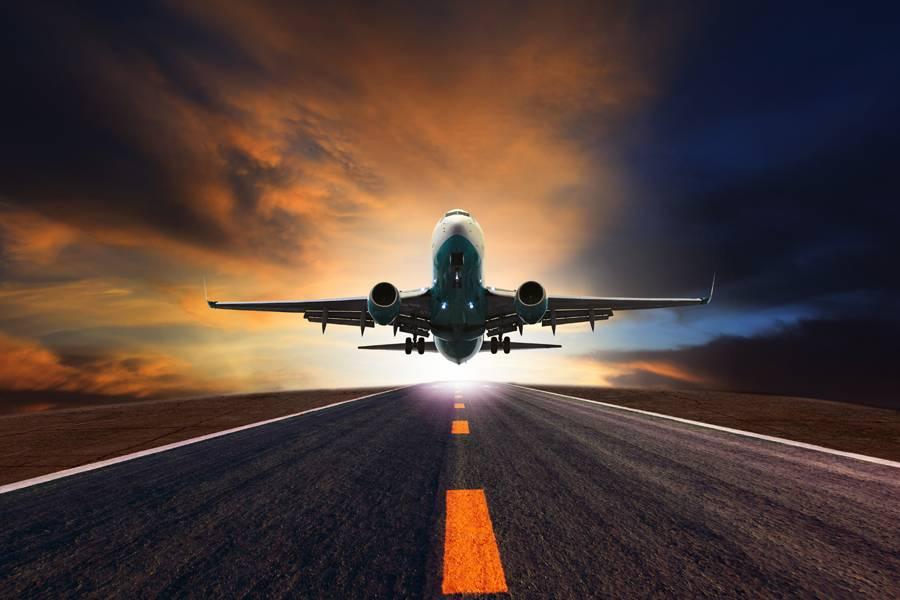 """汽车""""大战""""飞机:沉默加速度,到底是谁的脚步?"""