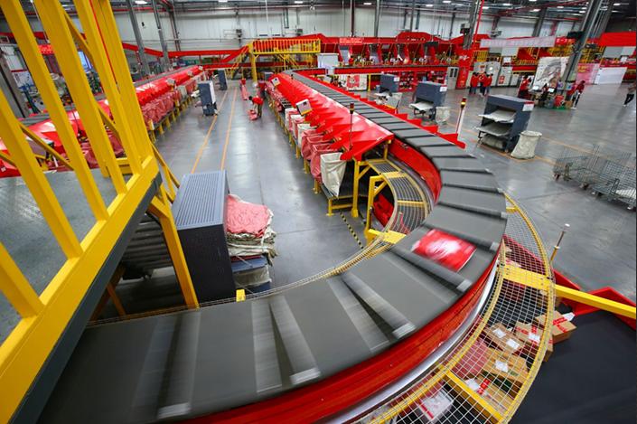 无人仓储,智能仓储,仓储机器人,亚马逊