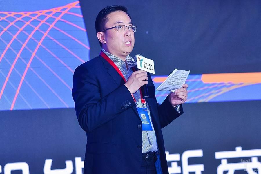 上海互金协会孟添:金融科技的未来在人工智能和区块链