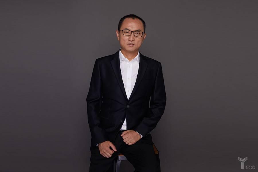 深度专访丨万集卡CEO刘轶波:我如何在夹缝中找到定位