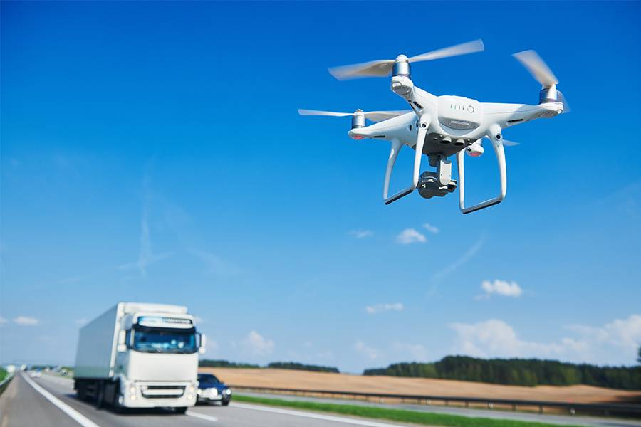 超市快送系列丨无人机PK自动驾驶,机器送货时代谁是王者?