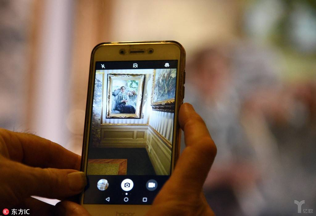 互联网电商涉足艺术,做调性还是做生意?