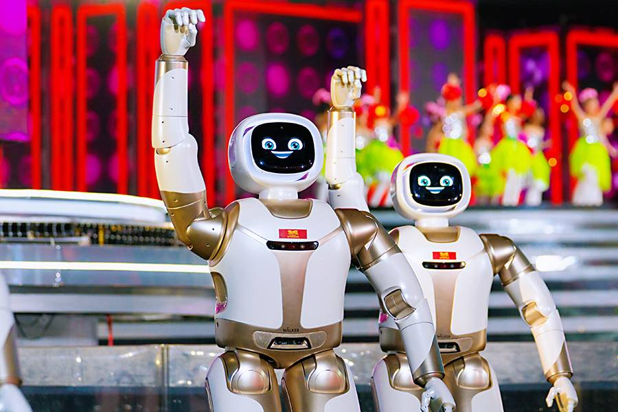 优必选Walker登上春晚舞台,中国AI机器人产业的价值崛起