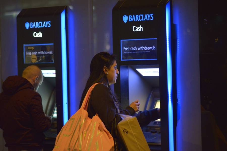 巴克莱银行;ATM;零售银行