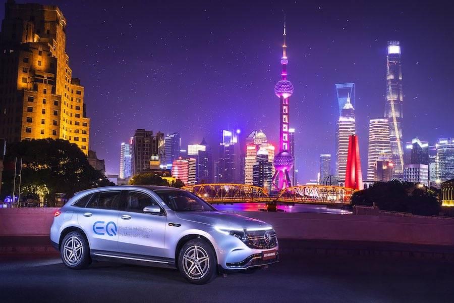 奔驰携多款新能源车亮相EQ科技日