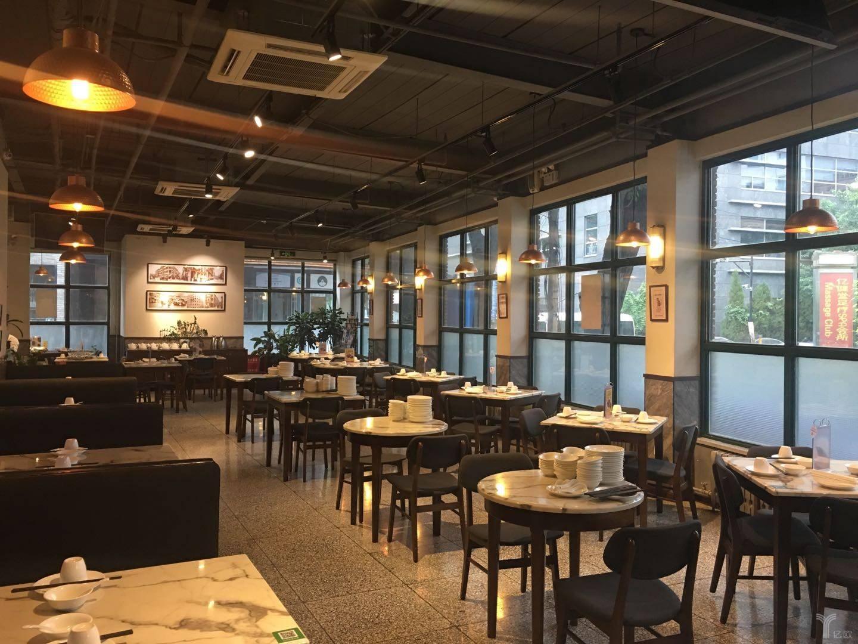 """3倍于內地的翻臺率,香港茶餐廳有何""""秘密""""?"""