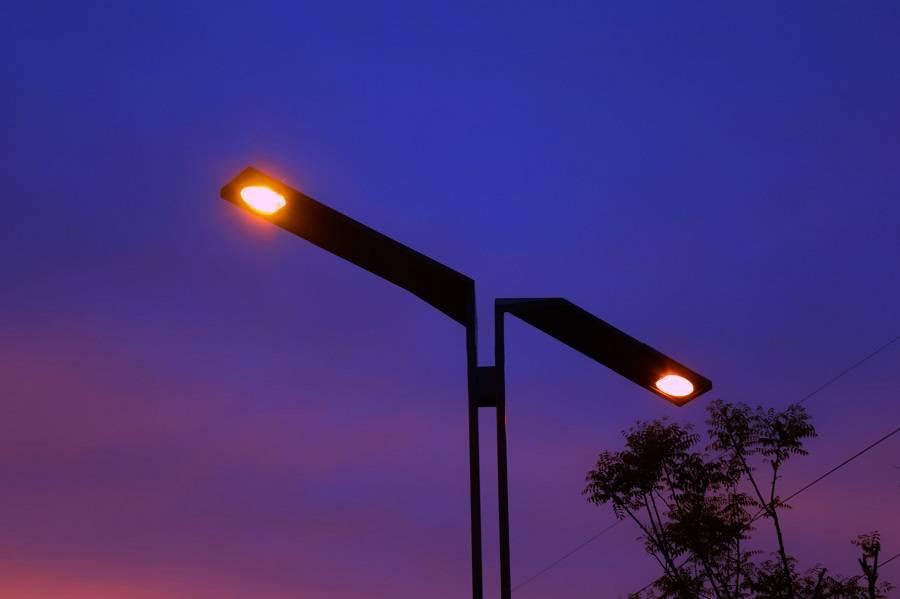 物联网智慧路灯,让城市的夜晚更加绚烂