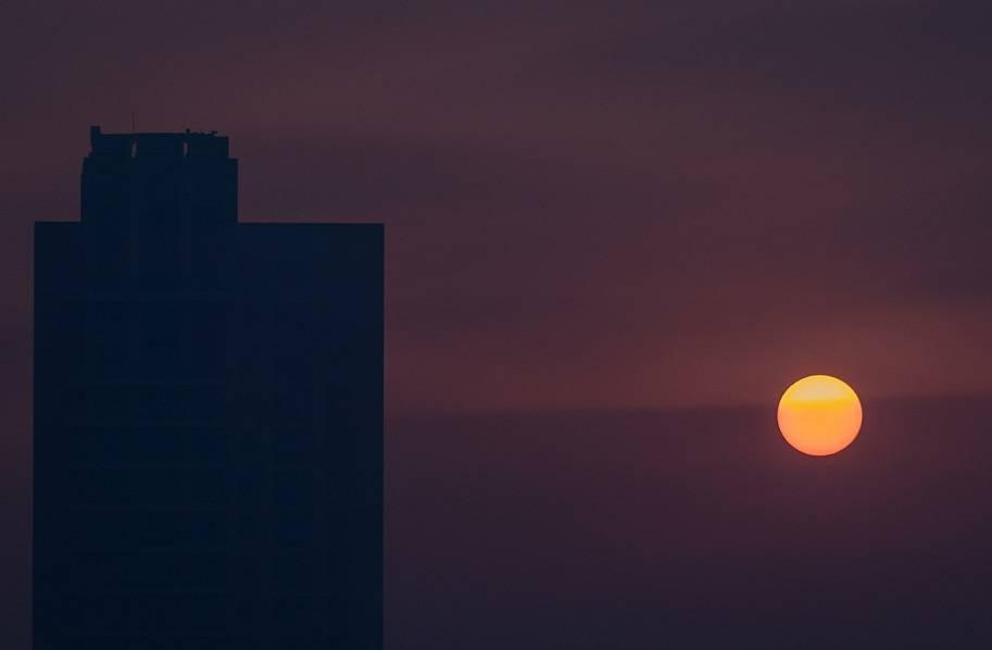 智慧城市 楼宇 日出 太阳