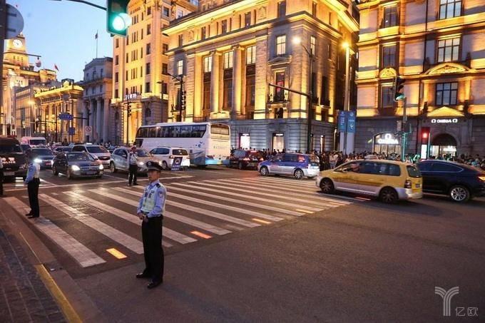 億歐智庫:上海市行人過街提示系統.jpg