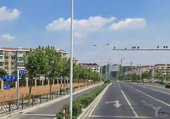 億歐智庫:上海市多功能復合型電子警察.jpg