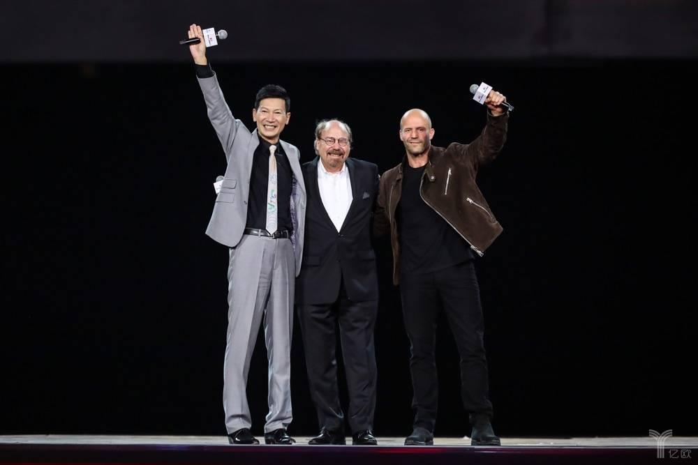 由左至右:赛麟汽车CEO王晓麟,赛麟品牌创始人:史蒂夫赛麟