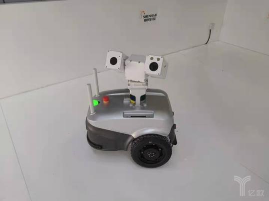 室外轮式巡检机器人