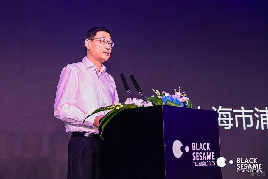 上海市浦东新区人大常委副主任王辛翎