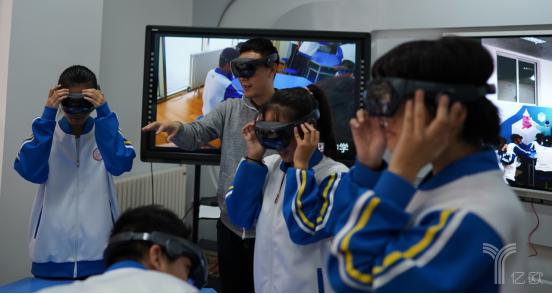 影创科技走进基础教育,全息课堂打破传统教育认知