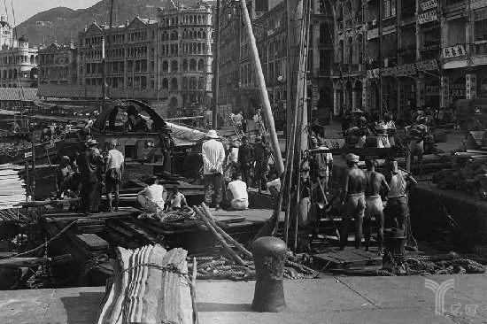 1946年,香港中环的码头工人